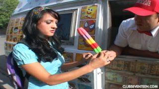 Deena Daniels Is Taking Ice Cream Seller's Huge Dick In Car